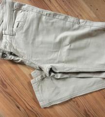 Krem hlače s džepovima od mekog traper materijala