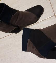 Čizme na petu, pt u cijeni