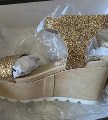 Tosca Blu NOVE zlatne sandale