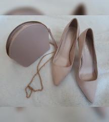 Mohito nude-pink štiklice i Bershka torbica