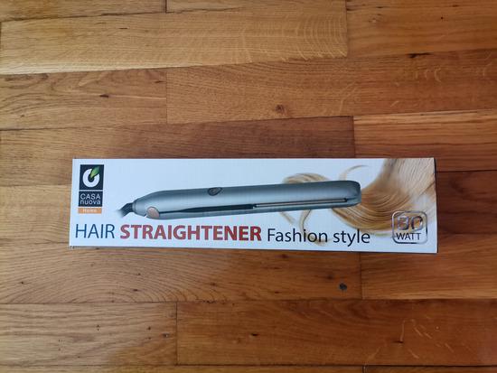 Prodajem peglu za kosu