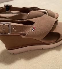 Hilfiger sandale s punom petom