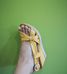 Sandale broj. 39