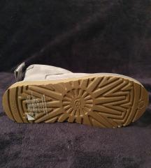 UGG Satin Bow Mini Boot novo!!