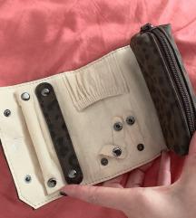 Carpisa torbica za nakit