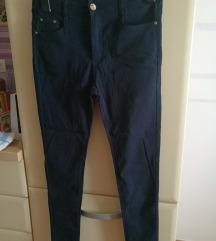 Nove radtezljive hlače 44