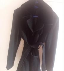 Crni kaput sa krznom