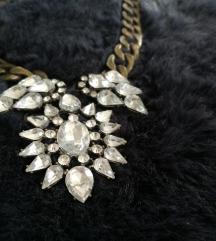 Efektna kristalna ogrlica