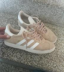 Adidas gazelle tenisice br. 40
