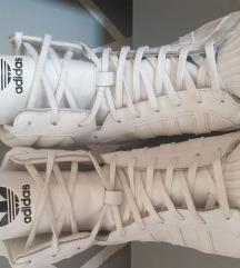 Adidas superstar winter sneakers NOVO