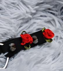 Harness za nogu s ružicama