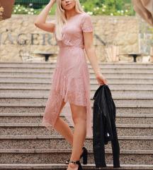 Svjetlo roza čipkasta haljina
