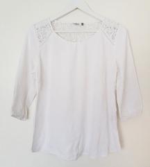 Only bijela bluza