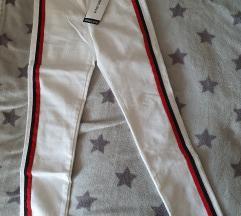 Zara nove bijele traperice 36