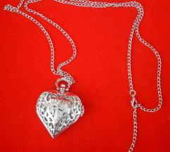 Ogrlica s privjeskom srce/sat