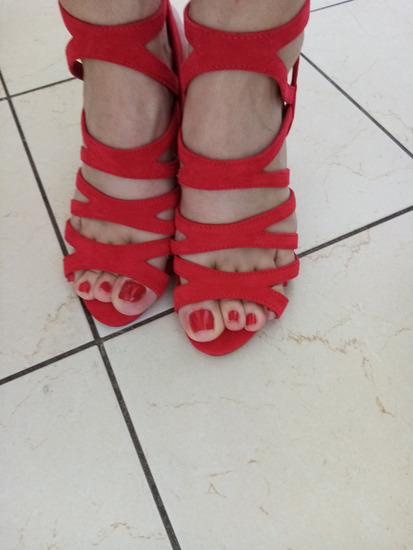 Roberto nove crvene sandale