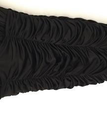 Mala crna uska haljinica