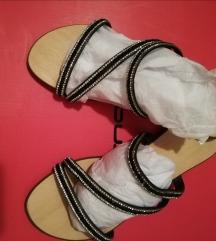 Bata slapice sandale