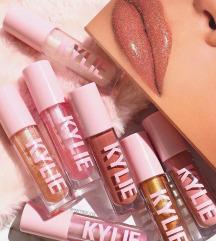Kylie Cosmetics naručivanje skupa