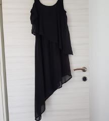 Asimetrična crna haljina