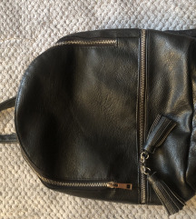 Ženski ruksak M model