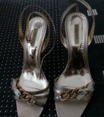 Štikle/sandale zlatne 40