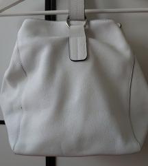 Zara bijela kozna bucket torba nosena 2x