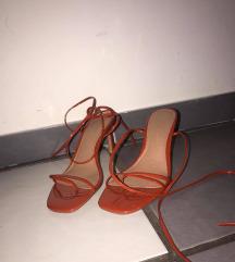 Sandale na vezanje s potpeticom
