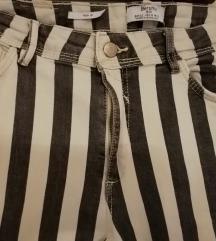 BERSHKA hlače/ traperice