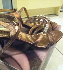 Sandale na malu petu