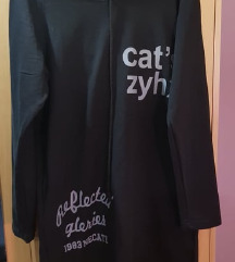 crna tunika sa kapuljacom