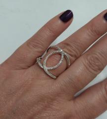 Rez!Prsten u Chanel stilu, pun cirkona. Srebro 925