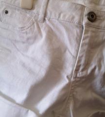 Kratke bijele hlače