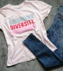 Lot traperice i kratka majica