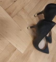 Crne cipele Guess
