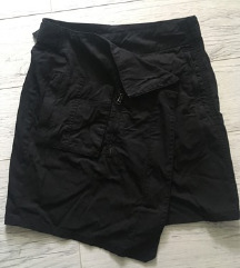 Active Wear Asimetrična crna suknja