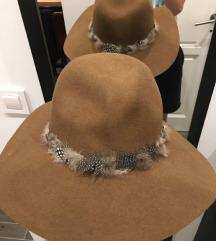 Zara smeđi šešir