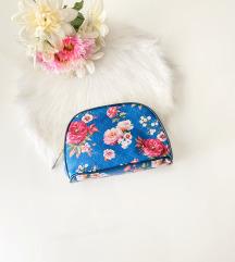 Nova just kozmeticka torbica