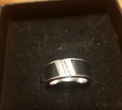 Prsten-srebro, oniks i cirkoni