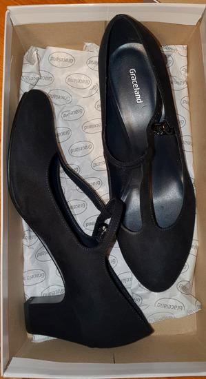 Cipele na manju deblju petu