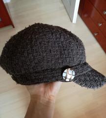Zimska kapa sa šiltom