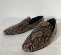 Nenošene Zara zmijske mokasinke