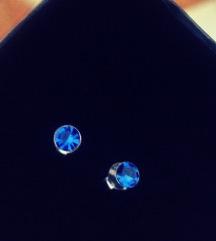 Male Srebro 925 naušnice s plavim cirkonom