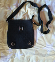 Crna sportska torbica