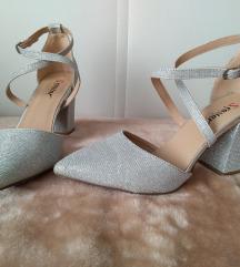 Srebrne cipele (100kn s poštarinom)