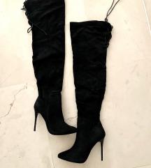 nove cizme iznad koljena
