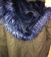 ZARA Maslinasta jakna sa plavim krznom