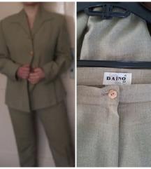 Novo žensko sivo bež odijelo veličina 40/42