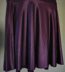 Ljubičasta suknja iznad koljena