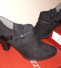 Velur crna zatvorena cipela s potpeticom
